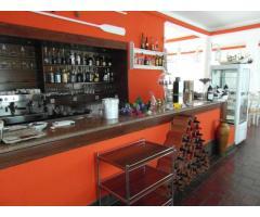Frekventált helyen hatalmas víz parti étterem és panzió eladó Portugáliában!