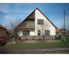 Szarvas eladó 120m2-es családi ház