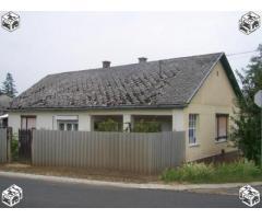 Tornácos ház eladó!