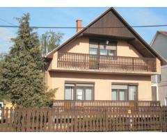 Kemecsén 4 szobás 140nm-es tetőteres családi ház sürgősen eladó