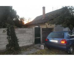 Eladó családi ház monoron központban