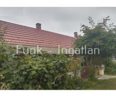 Balaton Régióban beköltözhetö 4 szobás családiház